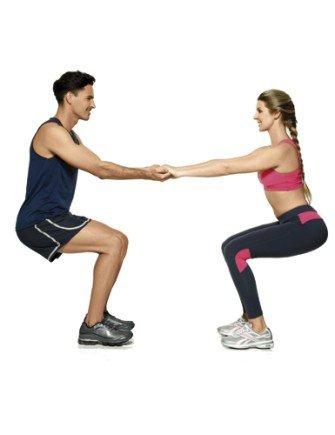 exercicios casal parceira agachamento