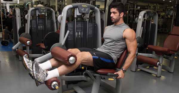 exercicios-que-nao-farao-falta-cadeira-flexora-2