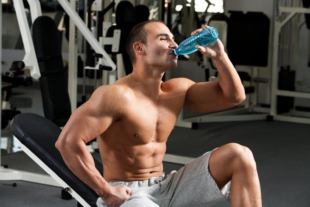beber agua hidratacao treino