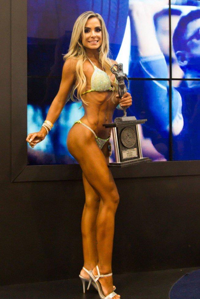 Karol Sanches, 4ª colocada na categoria Bikini