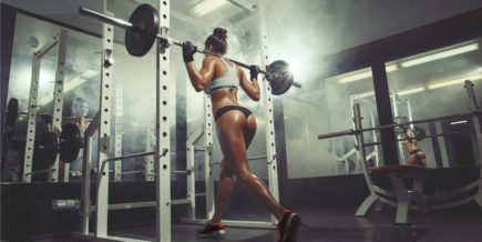 mulher agachamento treino mulheres