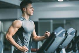 Estudos comprovam: a corrida atrapalha seu desenvolvimento muscular