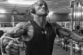O treino de peitoral completo do 'The Rock'