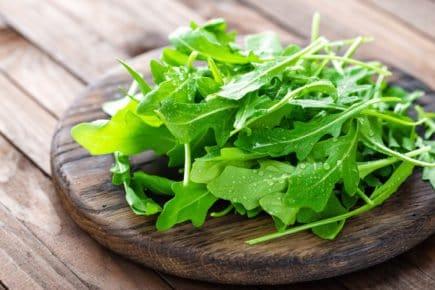 vegetais rúcula
