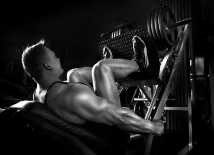 Homem, leg press, treino