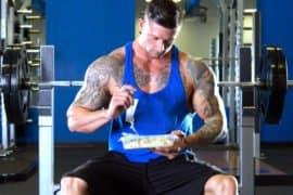 15 dos melhores alimentos para desenvolver massa muscular de verdade