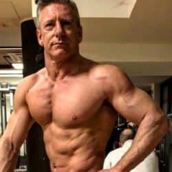 bodybuilder 51 anos 4