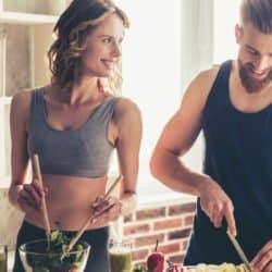 Casal fitness, cozinha