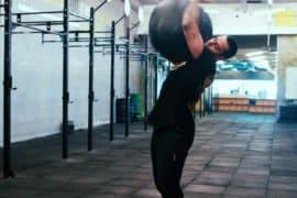 [VÍDEO] Tutorial do Hamoy: 3 técnicas para fazer um Arremesso de Bola de Peso perfeito