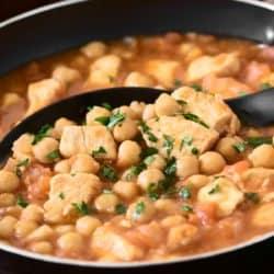 Sopa frango grão de bico
