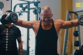 [VÍDEO] Um treino metabólico de alças musculares insano para quem quer trincar