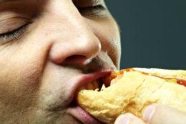 6 alimentos que a ciência já provou que fazem mal à saúde e mesmo assim você consome