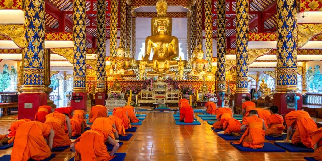 Conheça o monge trincado que é o novo mistério da internet